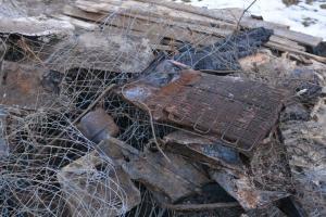 Unglaublich aber real - Müll einfach vergraben