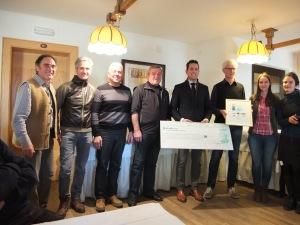 Preisübergabe an Bürgermeister Ulrich Veith für das Siegerprojekt der Gemeinde Mals