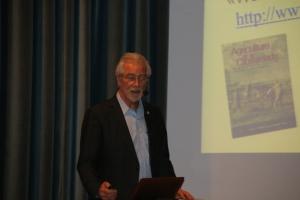 Hans Rudolf Herren in der Aula Magna des Oberschulzentrums in Mals